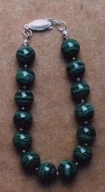 Dark green banded malachite bracelet (39KB)